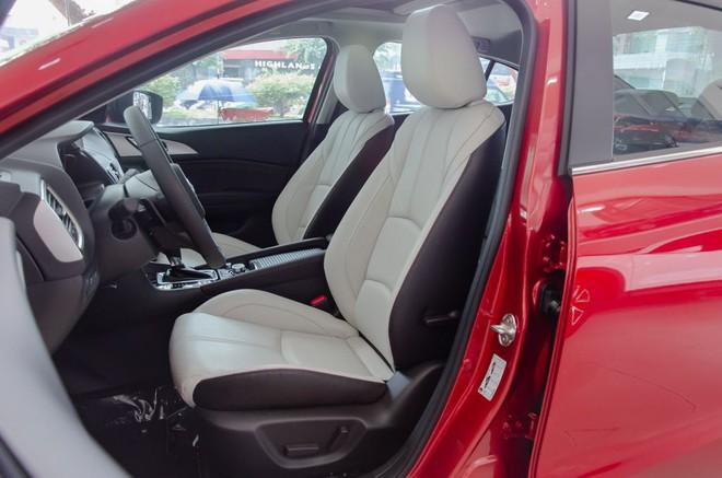 Mazda3 tăng giá 10-18 triệu đồng, CX5 xuống mức thấp nhất từ trước đến nay - Ảnh 2.