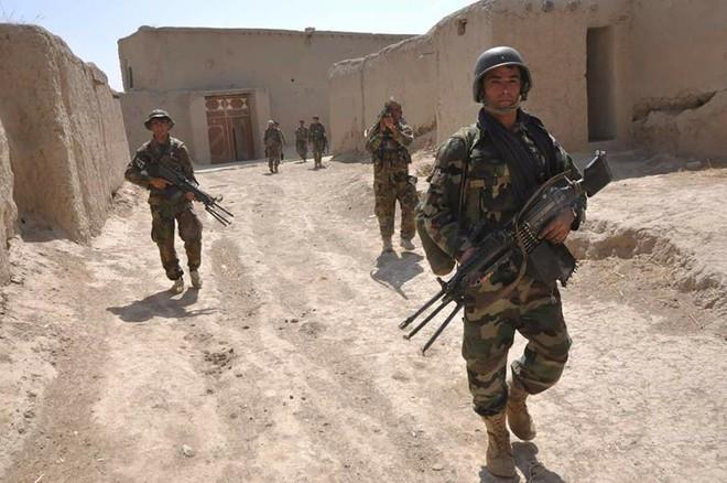Ông Trump đã bán đứng người dân Afghanistan như thế nào? - ảnh 1