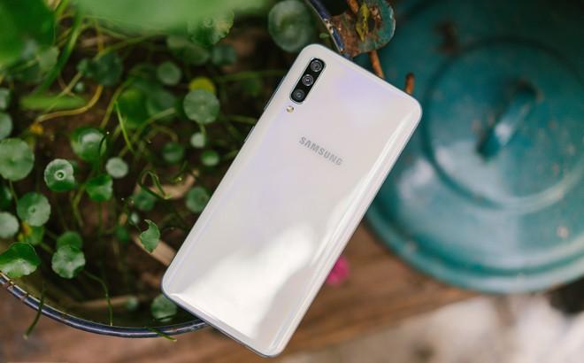 Đánh giá khả năng chụp hình của Samsung Galaxy A50: 3 camera như S10, liệu có chụp được ngang vậy?