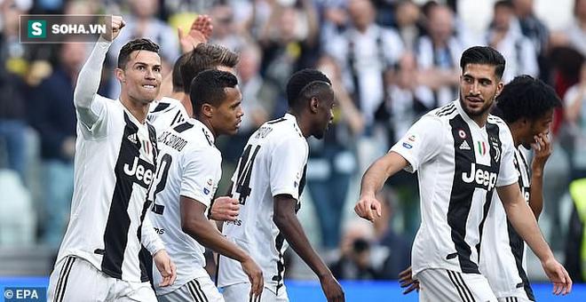 Ronaldo ăn hên, nâng cao chức vô địch đầu tiên từ khi chuyển sang Juventus - Ảnh 2.