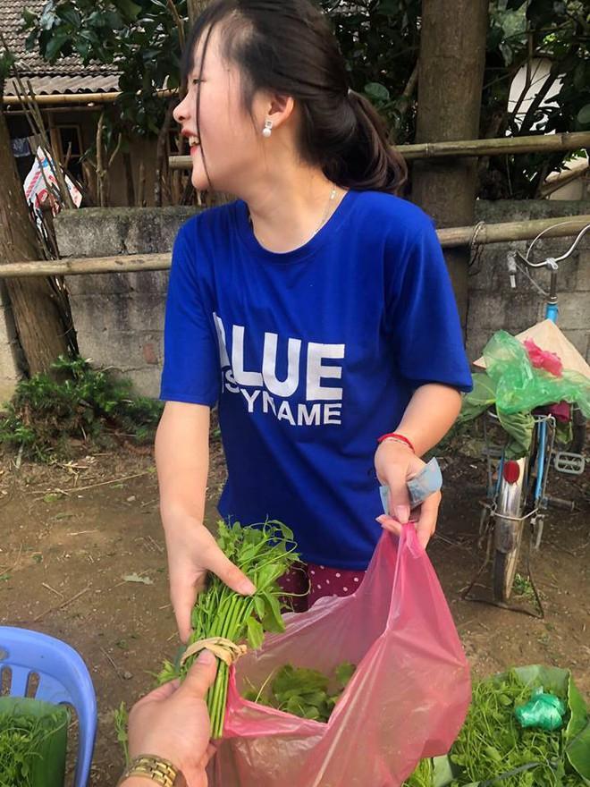 Đầu tuần, cô bé bán rau rừng duyên ơi là duyên khiến dân mạng xôn xao tìm danh tính - ảnh 6