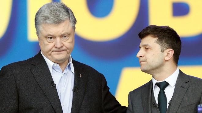 Chính trị gia Nga bình luận về cú tát người giáng khiến ông Poroshenko rơi nước mắt vì thất bại - Ảnh 2.