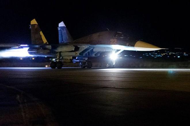 Chiến đấu cơ Nga-Syria đồng loạt xuất kích, hủy diệt đầu não khủng bố: Trận đánh rất lớn - Ảnh 1.