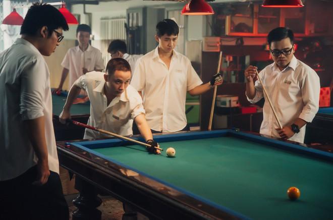 Hình ảnh khác lạ của Trúc Nhân trong MV mới - Ảnh 8.
