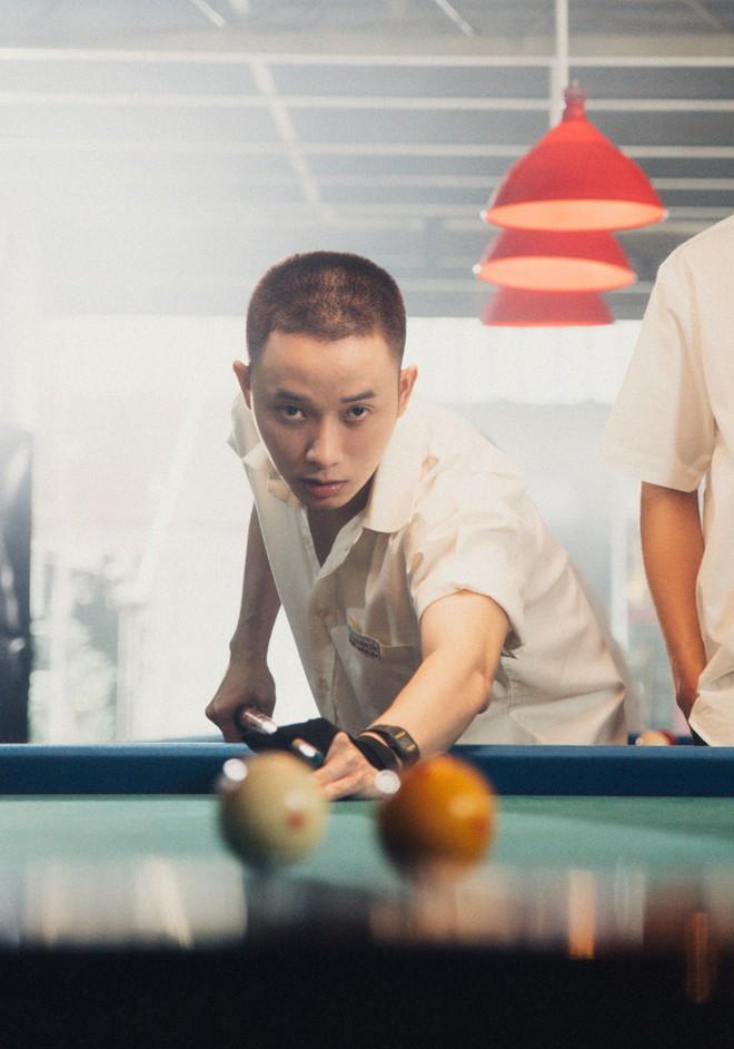 Hình ảnh khác lạ của Trúc Nhân trong MV mới - Ảnh 4.