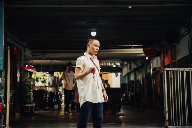 Hình ảnh khác lạ của Trúc Nhân trong MV mới - Ảnh 7.