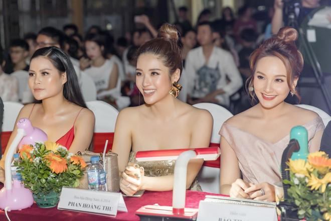Hoa hậu Phan Hoàng Thu khoe vai trần gợi cảm - Ảnh 6.