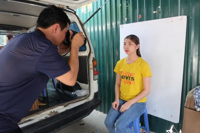 Biến ô tô cà tàng thành studio di động, thợ ảnh Hà Nội kiếm bạc triệu mỗi ngày - Ảnh 11.