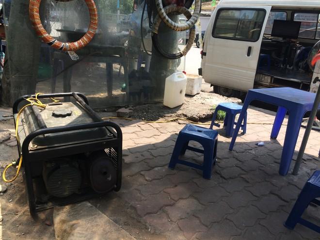 Biến ô tô cà tàng thành studio di động, thợ ảnh Hà Nội kiếm bạc triệu mỗi ngày - Ảnh 9.
