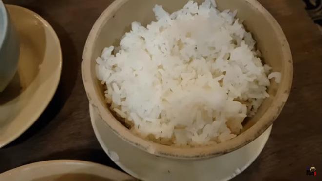 Khoa Pug review nhà hàng của Mai Phương Thúy gây tranh luận - Ảnh 1.