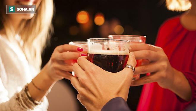 Lý do người sống lành mạnh không uống nước tăng lực: Bạn nên biết 5 tác hại trước khi uống - Ảnh 2.