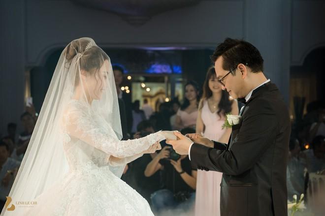 Toàn cảnh đám cưới ở Hà Nội của Giám đốc Nhà hát Kịch Hà Nội và hot girl 9X - Ảnh 12.