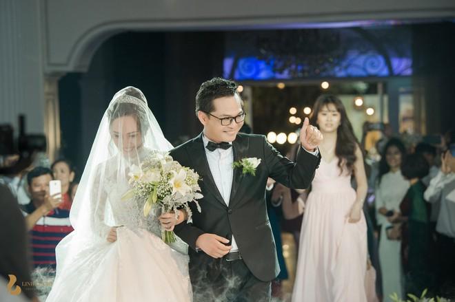 Toàn cảnh đám cưới ở Hà Nội của Giám đốc Nhà hát Kịch Hà Nội và hot girl 9X - Ảnh 10.