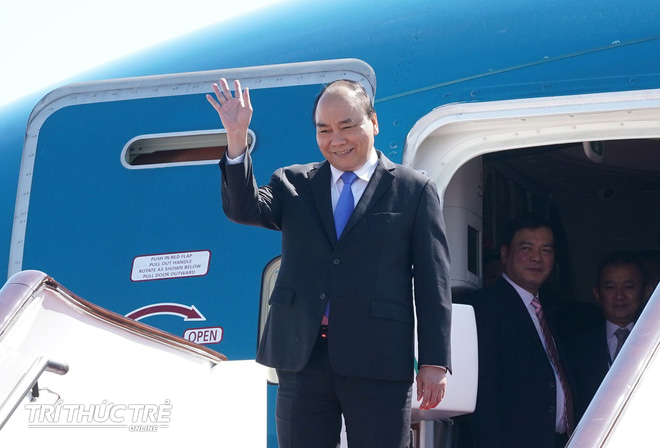 Những hình ảnh đầu tiên của Thủ tướng Nguyễn Xuân Phúc tại Trung Quốc - Ảnh 1.
