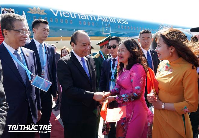 Những hình ảnh đầu tiên của Thủ tướng Nguyễn Xuân Phúc tại Trung Quốc - Ảnh 4.