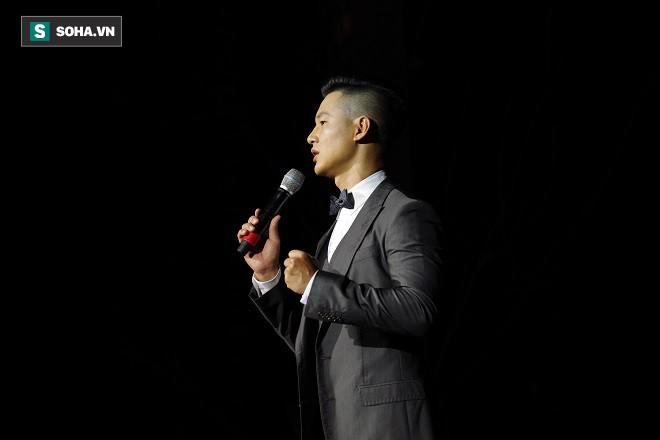 Bị khán giả so sánh, chê bai khi hát bài tủ của Khánh Ly, Đức Tuấn lên tiếng - Ảnh 1.