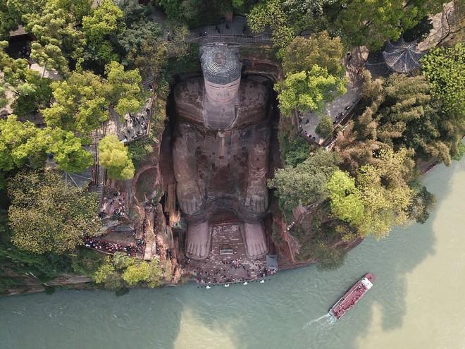 24h qua ảnh: Tượng Phật bằng đá cao nhất thế giới ở Trung Quốc - ảnh 2