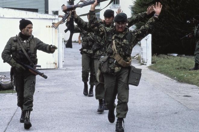 Nhìn lại cuộc chiến Falkland 37 năm trước - ảnh 1