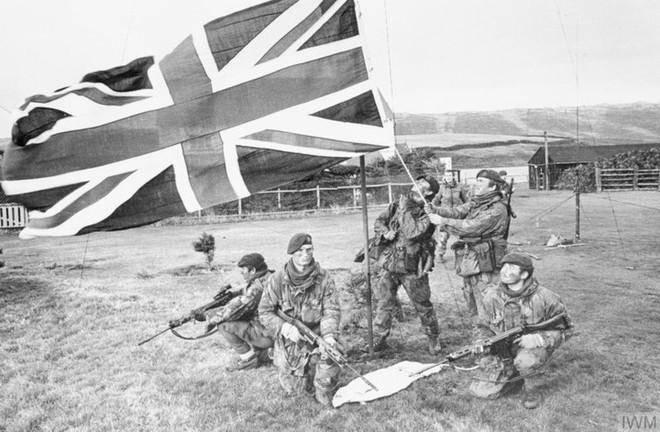 Nhìn lại cuộc chiến Falkland 37 năm trước - ảnh 12