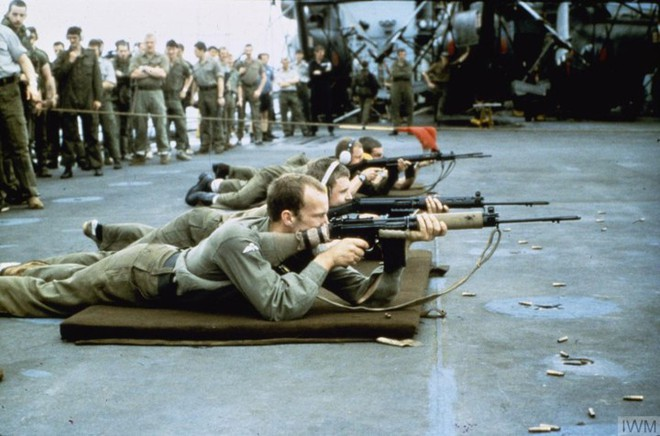 Nhìn lại cuộc chiến Falkland 37 năm trước - ảnh 3