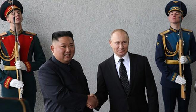 Triều Tiên thử tên lửa Iskander: Cú tát trời giáng vào các cơ quan tình báo Mỹ?  - Ảnh 3.