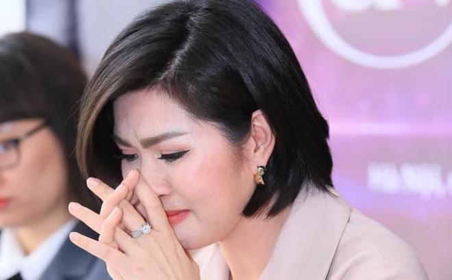 """Nguyễn Hồng Nhung: """"Tôi không dám nói với ai rằng mình có thai"""""""