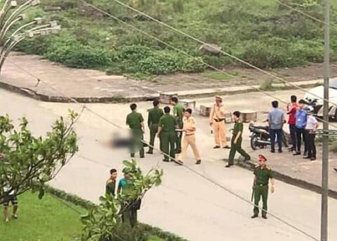CA Ninh Bình nêu danh tính và thông tin về việc trung tá CSGT đứng nhìn thanh niên đâm cô gái - Ảnh 2.
