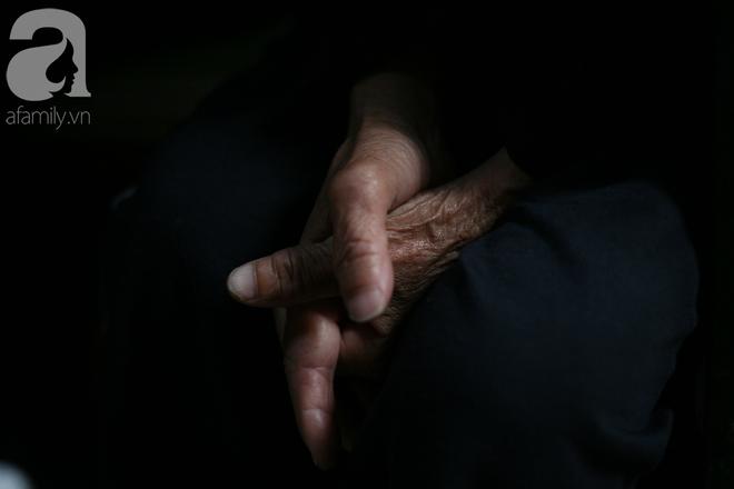 Xót cảnh cụ bà 84 tuổi, hàng ngày phải đẩy xe đi bán kẹo và tâm nguyện cuối cùng trước khi chết - Ảnh 4.