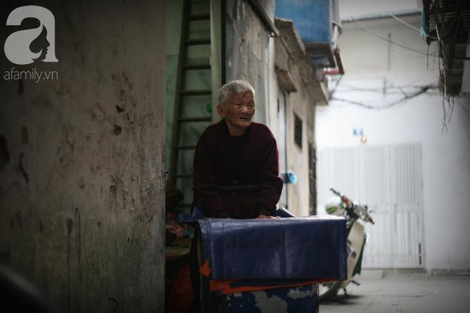 Xót cảnh cụ bà 84 tuổi, hàng ngày phải đẩy xe đi bán kẹo và tâm nguyện cuối cùng trước khi chết - Ảnh 5.