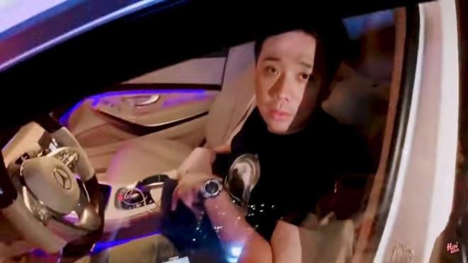 Trấn Thành mệt mỏi, ngủ gục trong ô tô và bực bội với Hari Won  - Ảnh 3.