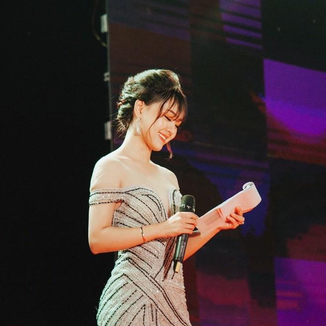 Bạn trai chụp ảnh thảm họa: Xinh như nữ MC truyền hình vẫn khóc thét khi nhận hình - Ảnh 8.