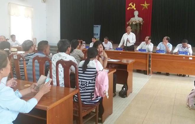 Hàng trăm người mua đất kéo đến trụ sở UBND tỉnh Quảng Nam cầu cứu - Ảnh 1.