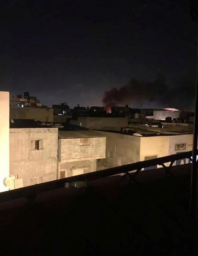 Giao tranh diễn ra ác liệt ở Tripoli, các bên tiếp tục tuyên bố chiến thắng - Ảnh 1.