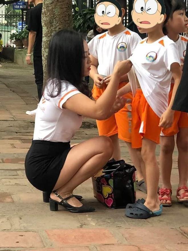 Cô giáo mầm non gây chú ý sau bức ảnh chụp trộm góc nghiêng - Ảnh 1.