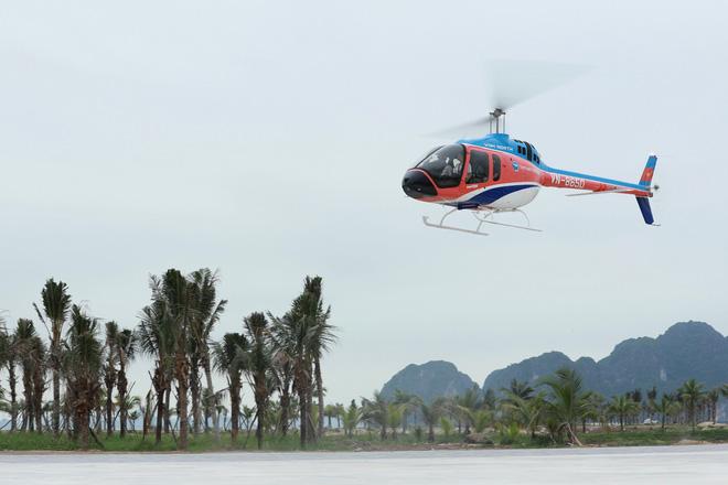 Trải nghiệm bay trực thăng ngắm cảnh vịnh Hạ Long trên không giá 3 triệu đồng/người - Ảnh 7.
