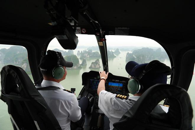 Trải nghiệm bay trực thăng ngắm cảnh vịnh Hạ Long trên không giá 3 triệu đồng/người - Ảnh 9.