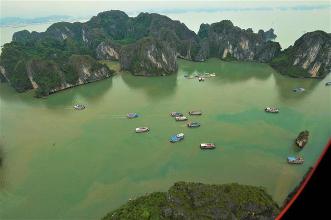Trải nghiệm bay trực thăng ngắm cảnh vịnh Hạ Long trên không giá 3 triệu đồng/người - Ảnh 10.