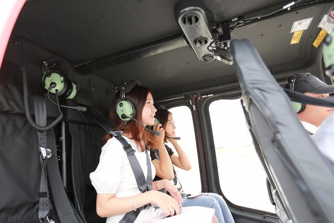 Trải nghiệm bay trực thăng ngắm cảnh vịnh Hạ Long trên không giá 3 triệu đồng/người - Ảnh 8.