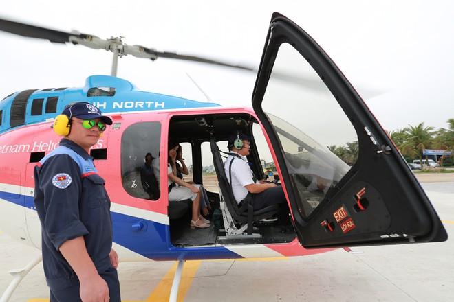 Trải nghiệm bay trực thăng ngắm cảnh vịnh Hạ Long trên không giá 3 triệu đồng/người - Ảnh 6.