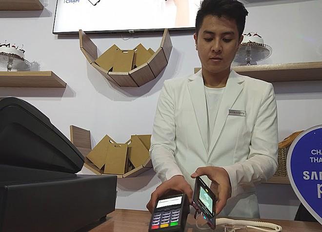 Đánh thuế tiêu thụ đặc biệt: Điện thoại di động đâu phải hàng xa xỉ? - Ảnh 2.