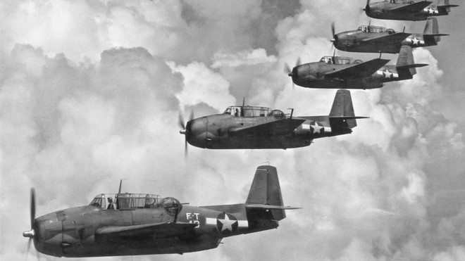 6 bí ẩn lớn nhất Thế chiến II: Phi đội bay của Mỹ bốc hơi không dấu vết giữa Bermuda? - Ảnh 2.