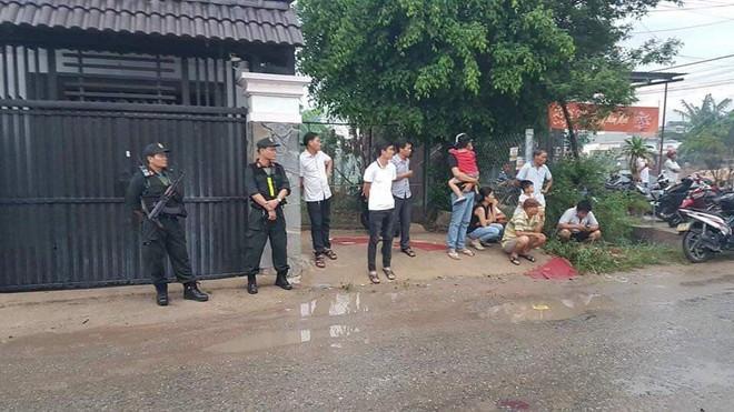 Cảnh sát vây bắt kho ma túy nửa tấn trị giá 500 tỷ ở Sài Gòn - Ảnh 1.