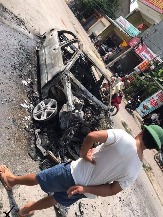 Xe sang tiền tỷ Mercedes đi đón dâu bỗng bốc cháy giữa đường, nguyên nhân càng gây tò mò  - Ảnh 4.