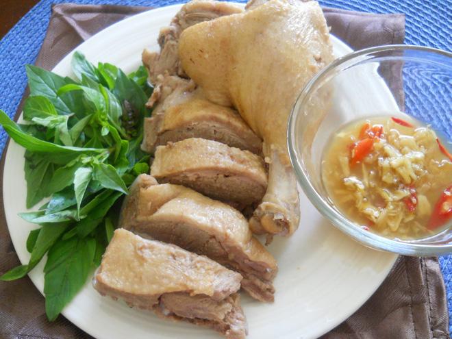 Mùa hè muốn hạ nhiệt thì nên ăn gì: 5 thực phẩm có thể giúp điều hòa nhiệt độ cơ thể - Ảnh 5.