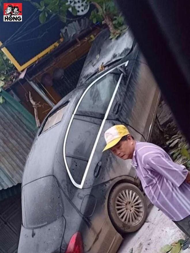 3 bức ảnh ghi lại hiện trường tai nạn khó hiểu của xe sang Mercedes - Ảnh 3.