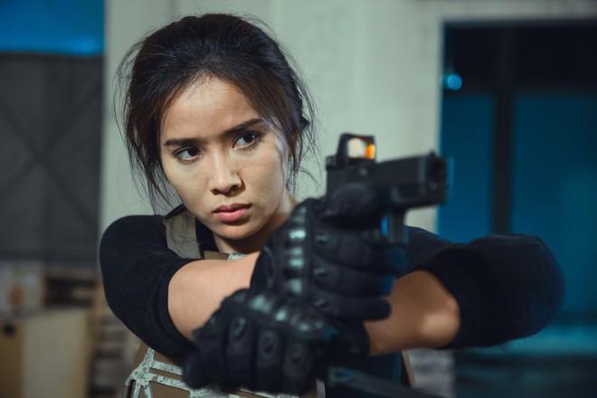 Bella Mai tự làm phim hành động gay cấn - Ảnh 1.