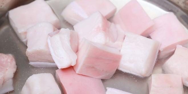 Chuyên gia dinh dưỡng: Mỡ lợn không phải thực phẩm xấu, nhiều người sai lầm khi bỏ mỡ lợn - Ảnh 1.