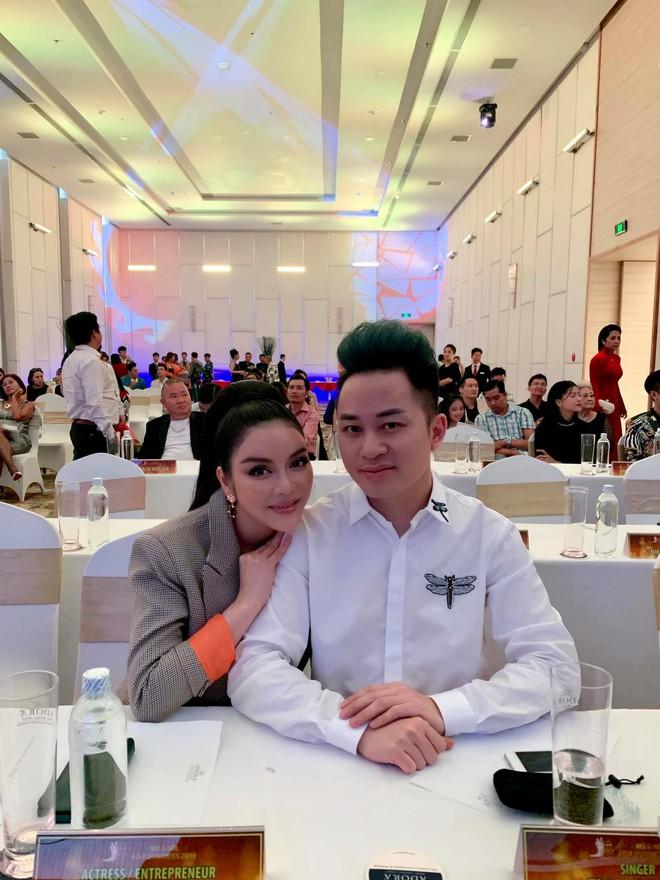 Lý Nhã Kỳ xin được làm bạn gái Tùng Dương trong 15 phút - Ảnh 3.