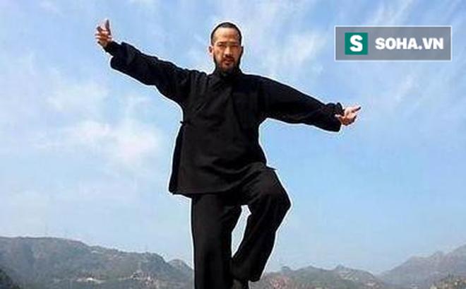 """Đại sư Vịnh Xuân bất ngờ thách đấu, tuyên bố đấm knock-out """"võ sư truyền điện"""""""