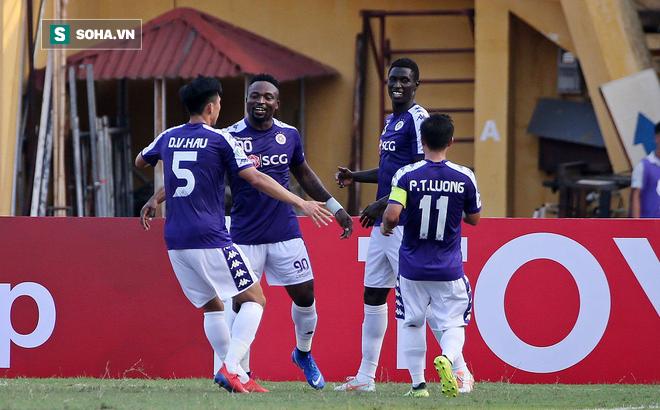 """Hà Nội FC """"đè bẹp"""" cường địch, hiên ngang đi tiếp ở giải châu Á"""